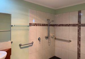 Weeroona Association - Accommodation - Elanda Bathroom